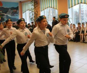 Военно-спортивная игра «Зарничка» для учащихся 1-4 классов Кировского района