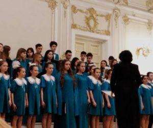 """Весенний концерт Хоровой студии """"Гармония"""" на сцене Малого зала Филармонии"""